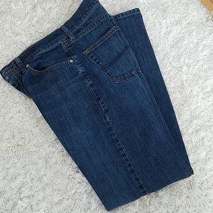 Like new, Lee's men's Jean's, 30x32 straight leg